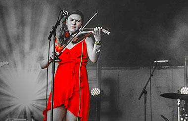 Claire Sands photoshop fb p